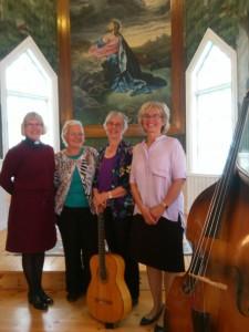 Violette Andersson tillsammans med systrarna Gunilla, Solveig och Synnöve